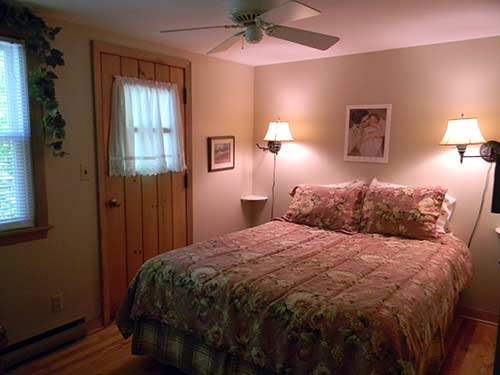 Carriage House Rental Queen Bedroom