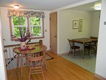 Carriage House Rental Cottage Dining Room
